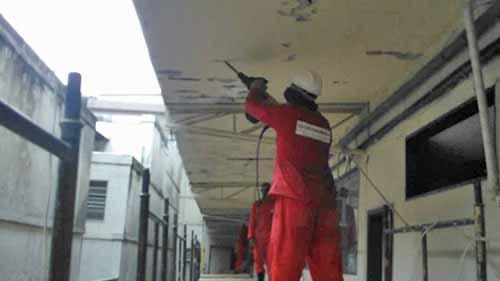 Demolições longitudinais para instalação dos anodos de sacrifício